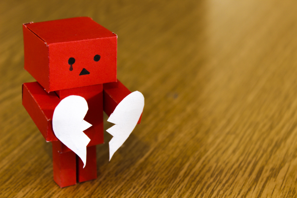 Number-love-heart-red-broken-toy-812380-pxhere.com